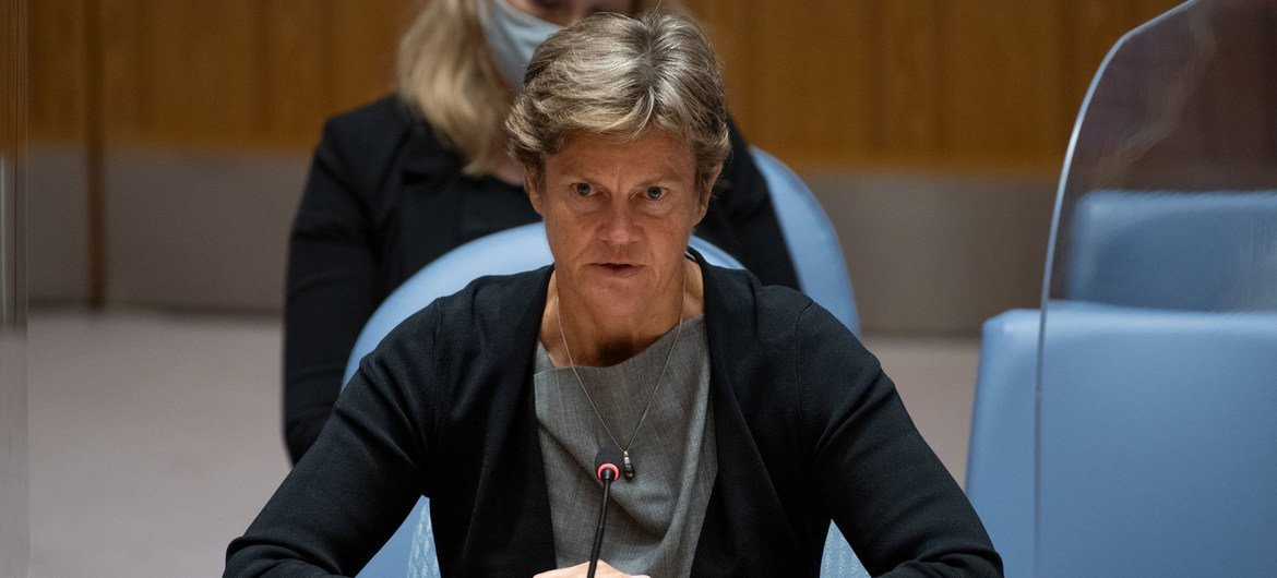 Ambassador Barbara Woodward of the United Kingdom addresses the Security Council meeting on the situation in Afghanistan.