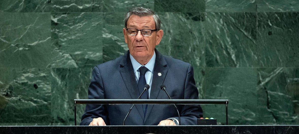 El ministro de Relaciones Exteriores de Uruguay, Rodolfo Nin Novoa, habla en la Asamblea General de la ONU.
