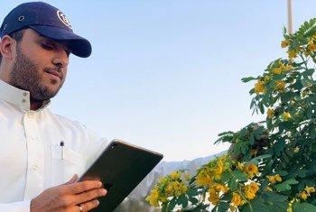 محمد الخالد مؤسس مبادرة نباتك، التي يأمل من خلالها جعل المملكة العربية السعودية خضراء