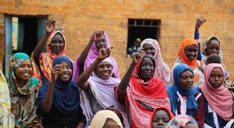 La inclusión de las mujeres en los procesos políticos y de construcción de la paz beneficia a todas las sociedades.