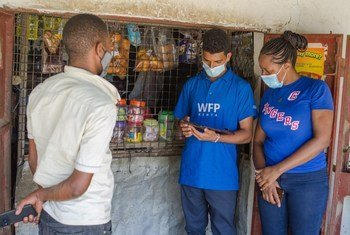 Usajili wa watu wanaopokea mgao wa pesa taslimu kutoka kwa WFP jijini Mombasa, Kenya.