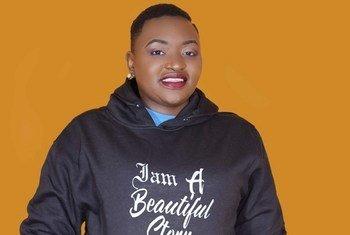 Doreen Moraa Moracha kutoka Kenya alizaliwa na Virusi Vya Ukimwi na hivi sasa anatumia mitandao ya kijamii kuelezea simulizi yake ya kupendeza juu ya maisha yake.
