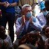 Le Haut-Commissaire des Nations Unies pour les réfugiés, Filippo Grandi, rencontre des réfugiés d'Ethiopie à la frontière avec le Soudan.