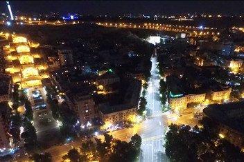 العاصمة الأرمنية يريفان في الليل.