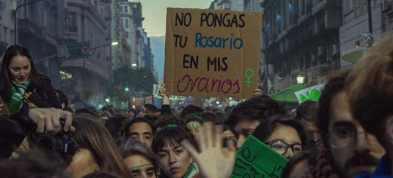 Protestos na capital da Argentina, Buenos Aires, onde a ONU também recebeu relatos de ameaças contra instituições de direitos humanos