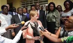 Alta comissária dos Direitos Humanos, Michelle Bachelet, fala a jornalistas na RD Congo