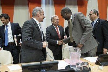 """联合国秘书长古特雷斯出席第43届""""77国集团和中国""""外交部长年会开幕式。(2019年9月27日)"""