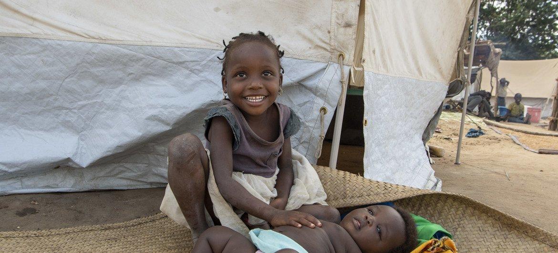 Crianças no Campo de Taratara, em Cabo Delgado