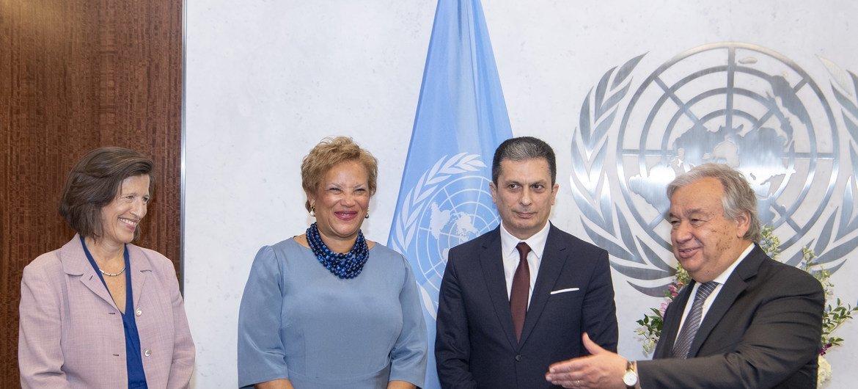 Katibu Mkuu wa UN Antonio Guterres (kulia) na wakuu watatu wapya wa Idara za UN aliowaapisha hii leo 04 Septemba 2019