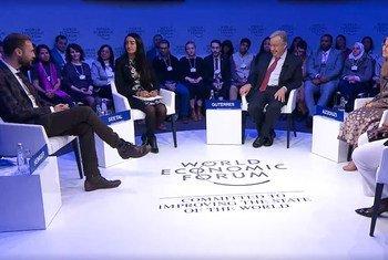 António Guterres dialoga com jovens da rede Global Shapers em Davos