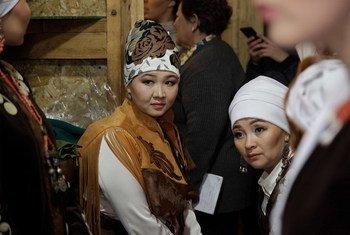 В Кыргызстане около 14 процентов женщин моложе 24 лет становятся жертвами той или иной формы принуждения к браку