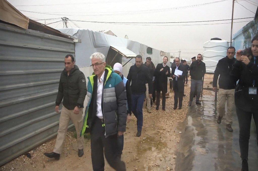 منسق الشؤون الإنسانية، مارك لوكوك، يزور مخيم الزعتري للاجئين السوريين في الأردن.