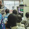 Le studio de Radio Okapi à Bukavu a ouvert ses portes aux élèves du « Complexe Scolaire Okapi » dans le cadre d'une visite guidée de la MONUSCO. Ces élèves, âgés de 2 à 11 ans, ont ainsi pu découvrir et comprendre le rôle et la mission de la MONUSCO en RD Congo