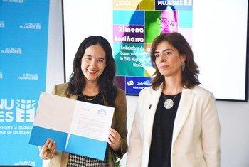 Ximena Sariñana en el momento de su nombramiento como embajadora de Buena Voluntad de ONU Mujeres en México.