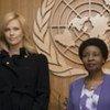 Charlize Theron avec la Vice Secrétaire général de l'ONU, Asha-Rose Migiro.
