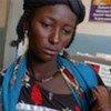 Une jeune femme avec son enfant au Niger.