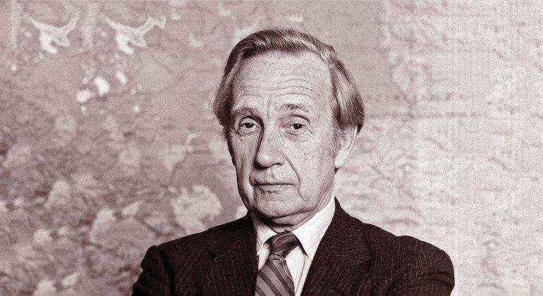La ONU entristecida por la muerte de Sir Brian Urquhart, diplomático británico que participó en su fundación