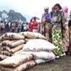 Displaced receive food aid