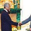 Kofi Annan et le Président Vladimir Poutine à Moscou (archives)