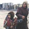 Une femme et son enfant à Grozny, en Tchétchénie
