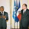 Kofi Annan and French President Jacques Chirac at press briefing