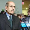 MM. ElBaradei (à gauche) et Blix s'adressent à la presse