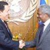 Kofi Annan with President Hugo Chávez Frías of Venezuela