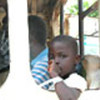Des réfugiés libériens quittent Tabou par un convoi du HCR