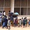 Personnes déplacées fuyant les combats à Bunia, en RDC