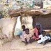 Réfugiés soudanais dans des abris de fortune à la frontière
