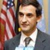 L'ambassadeur Tafrov s'adresse à la presse