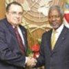 Kofi Annan (D) avec le Président Abel Pacheco de la Espriella