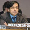 S.Tharoor lors du Comité de l'information