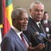 Kofi Annan (g.à et Colin Powell (d.) (archives)