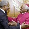 Annan and Desmond Tutu (file photo)