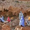 Somalis wait on Mareero cliffs