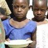 等待援助的津巴布韦儿童