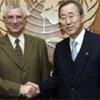 Le Secrétaire général de l'ONU, Ban Ki-moon, (à droite), avec son Représentant spécial pour l'Afrique de l'Ouest, Said Djinnit.