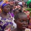 Des femmes marchant contre la violence sexuelle en RDC.