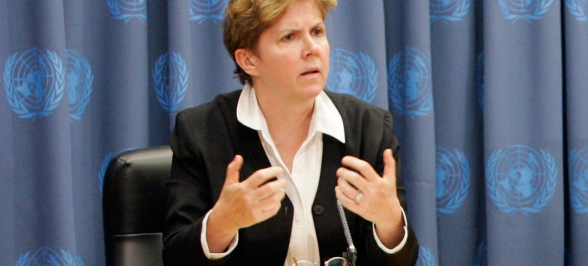 Jane Holl Lute, Assistant-Secretary-General and Officer-in-Charge of the Department of Field Support, briefs the media.