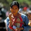 Des millions de femmes dans le monde sont victimes de violence.