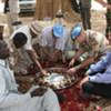Le chef des opérations de maintien de la paix des Nations Unies, Alain Le Roy, avec Minni Minawi, chef de l'Armée de libération du Soudan, à El Fasher, au Nord Darfour.