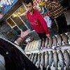 Produit de la pêche sur un marché à Erevan, en Arménie.