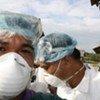 Alerte mondiale alors que le virus de la grippe A(H1N1) se propage.