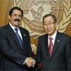 Le Secrétaire général Ban Ki-moon (à droite) avec le Président hondurien José Manuel Zelaya Rosales en septembre 2008.
