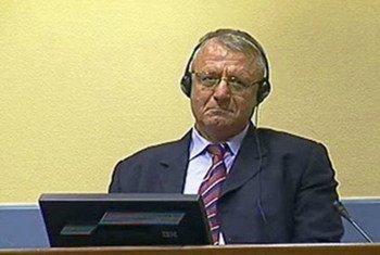 塞尔维亚激进党主席、前塞尔维亚共和国国民议会议员沃伊斯拉夫·舍舍利在前南刑庭接受审讯  图片/前南刑庭