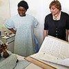 Ann Veneman dans un hôpital à Kinshasa, en République démocratique du Congo (RDC).
