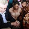 霍姆斯与斯里兰卡流离失所者