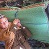 领取救援物资的阿富汗儿童