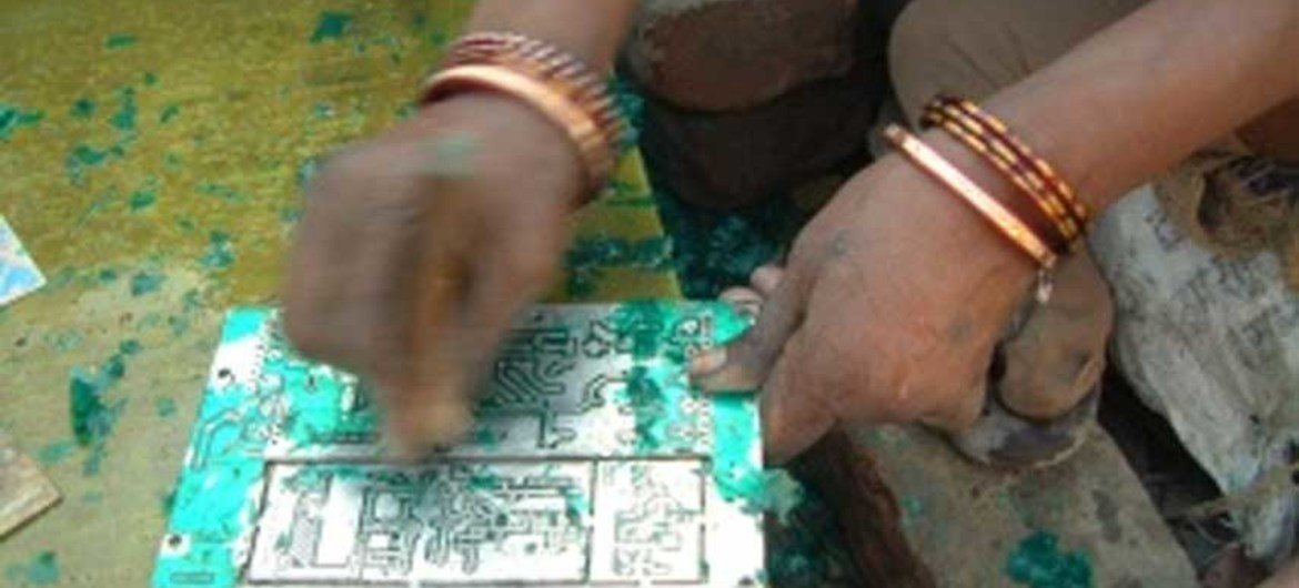 Proper e-waste collection, recycling key to recovering valuable materials (file photo).